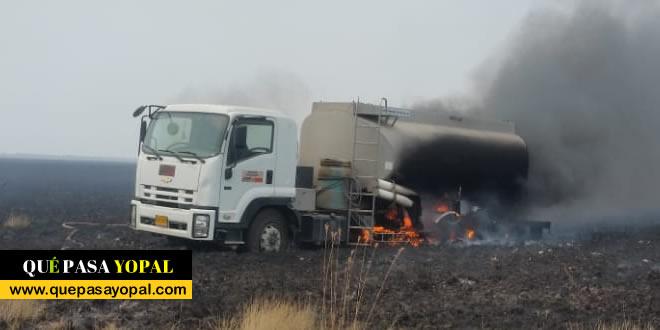 Photo of Carrotanque dedicado a atender emergencias resultó incinerado en las sabanas de Paz de Ariporo