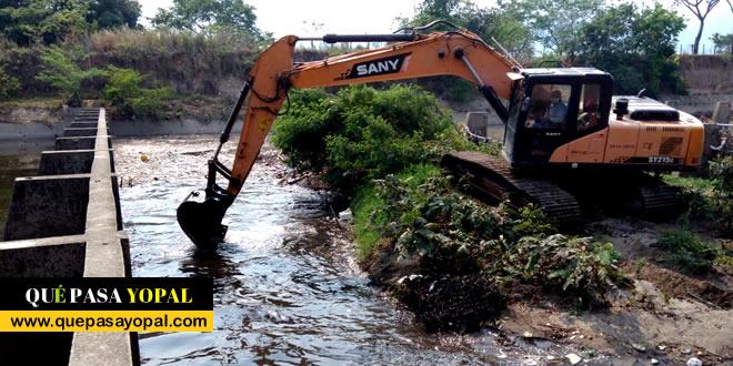 Photo of Limpieza del canal de 'Caño Seco', adelantó la Secretaría de Obras