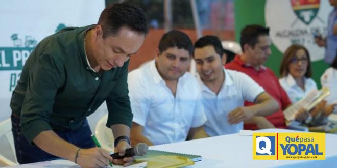 Photo of Alcalde de Yopal firmó acuerdo que crea la Comuna VII