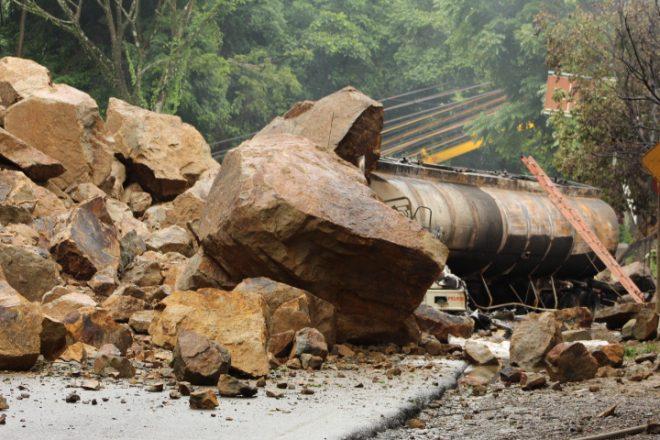 Photo of Recomendaciones ante emergencia en la vía que comunica a Yopal con el norte de Casanare