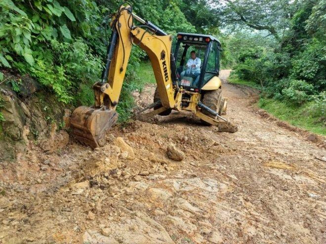 Photo of Adelantan mantenimiento a vías de acceso de las veredas La Upamena y La Guafilla
