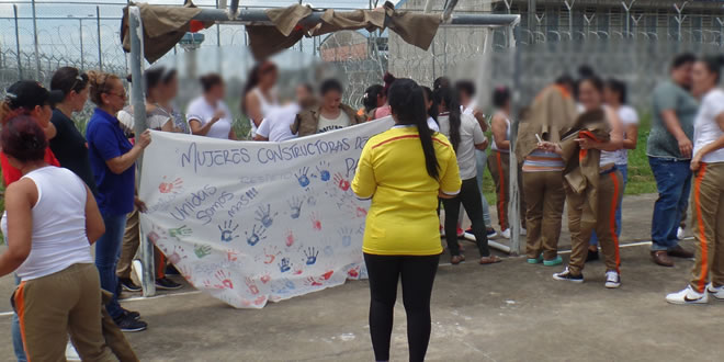 Photo of Internas de La Guafilla también dijeron sí a la paz
