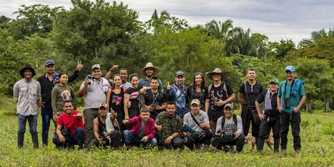 Photo of Exintegrantes de las Farc se capacitaron como avistadores de aves