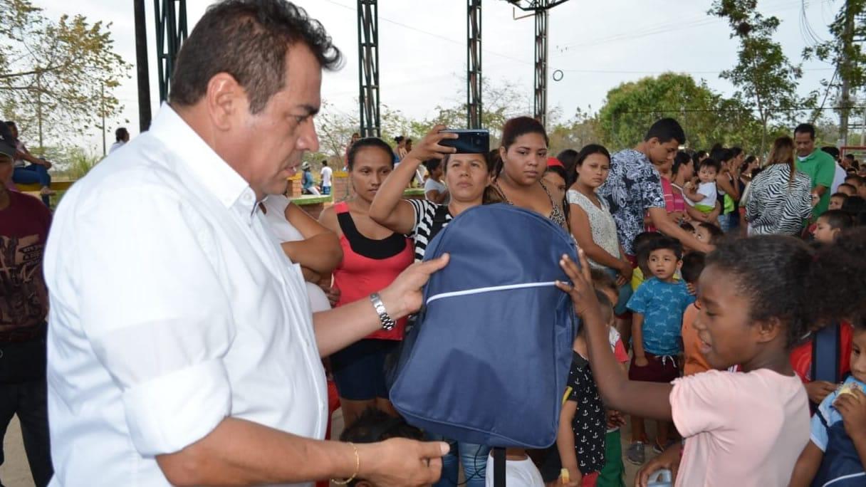 Photo of Kits escolares para los niños del barrio El Raudal de Yopal