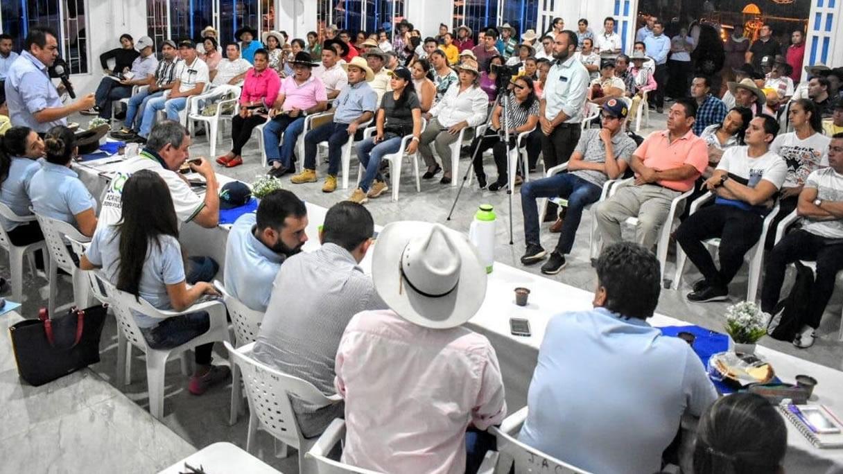Photo of Alcalde de Yopal presidió madrugón en el corregimiento de Quebradaseca