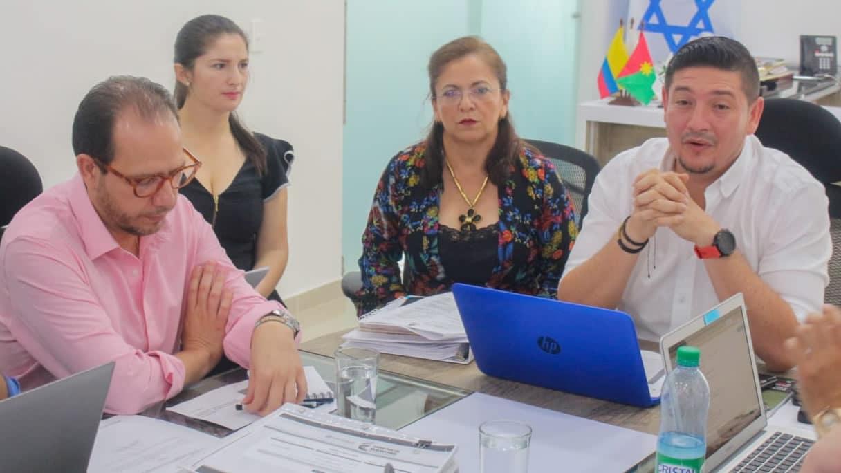 Photo of Gobernador ratificó compromiso de Unitrópico a pública