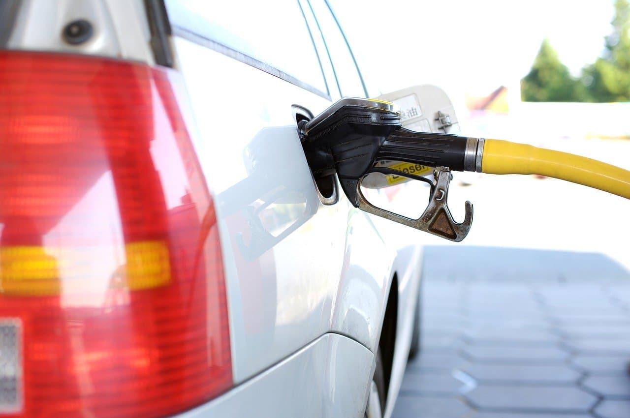 Photo of Duque anuncia reducción en el precio de la gasolina en 13 ciudades