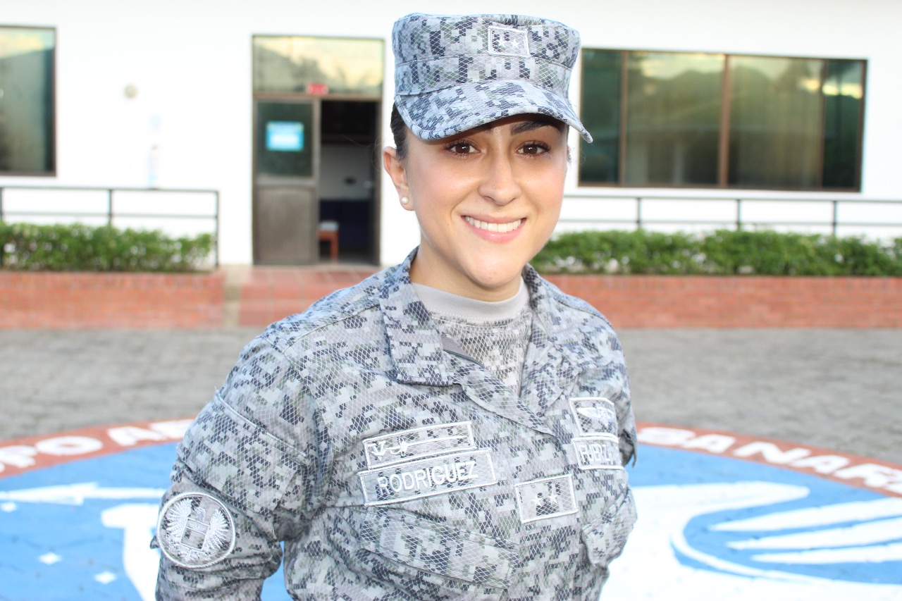 Photo of De psicóloga a piloto, la historia de la teniente Camila Rodríguez
