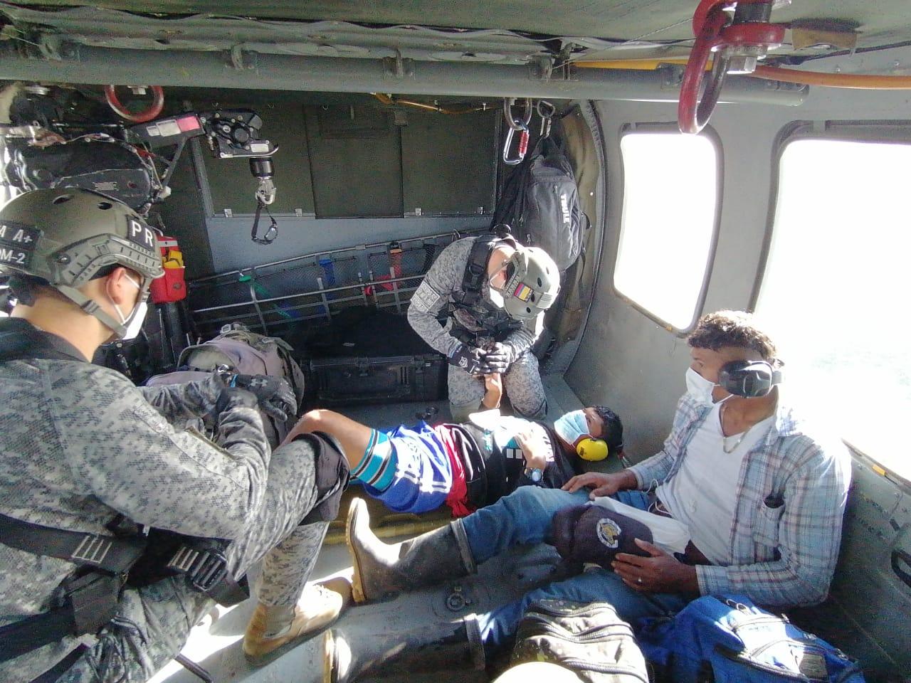 Photo of Hombre fue evacuado en helicóptero desde lugar de difícil acceso terrestre hasta Yopal