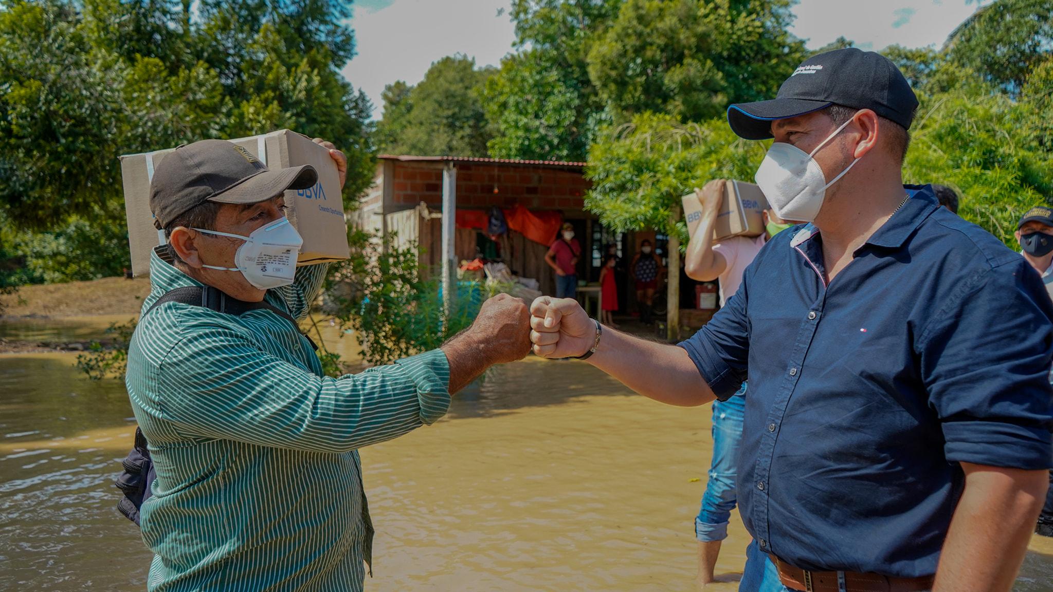 Photo of Gobernador entregó ayudas humanitarias en maní