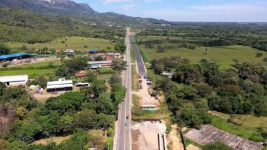 Photo of Paso intermitente en la vía Aguazul – Yopal, por izaje de vigas
