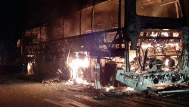 Photo of Bus fue incinerado en la vía Paz de Ariporo – Yopal
