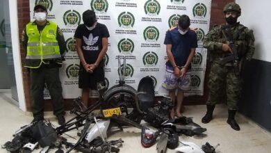 Photo of Dos capturados por desvalijar una moto hurtada en el municipio de Aguazul