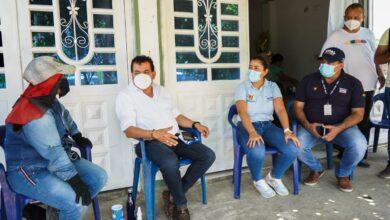 Photo of Alcaldía de Yopal entregó ayudas humanitarias en el barrio Flor Amarillo